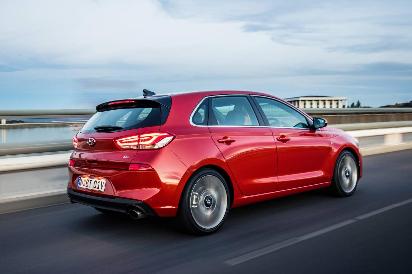 Hyundai i30 review & buyer's guide — Auto Expert by John Cadogan