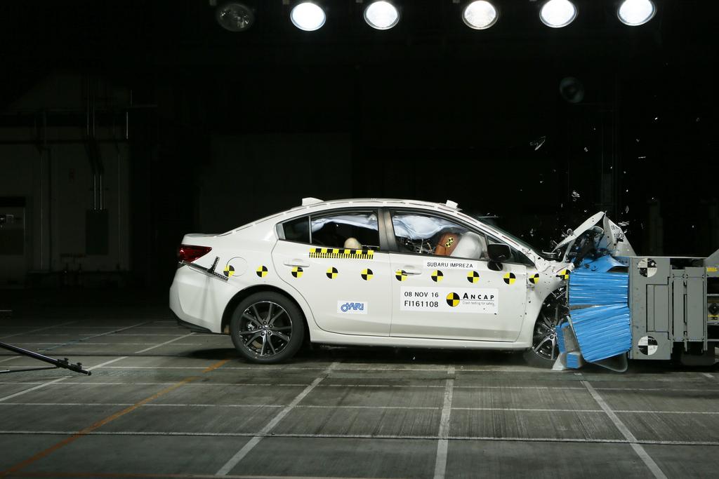 2018 Subaru XV Crash Test.jpg