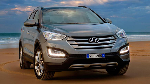 Hyundai Santa Fe auto tows a maximum of 2000kg with a 100kg towball download limit, but is available with a Genuine Load Accessory Kit that increases the towball download limit to 150kg. This is one of the best seven-seat all-rounders you can buy.   More on Santa Fe >>
