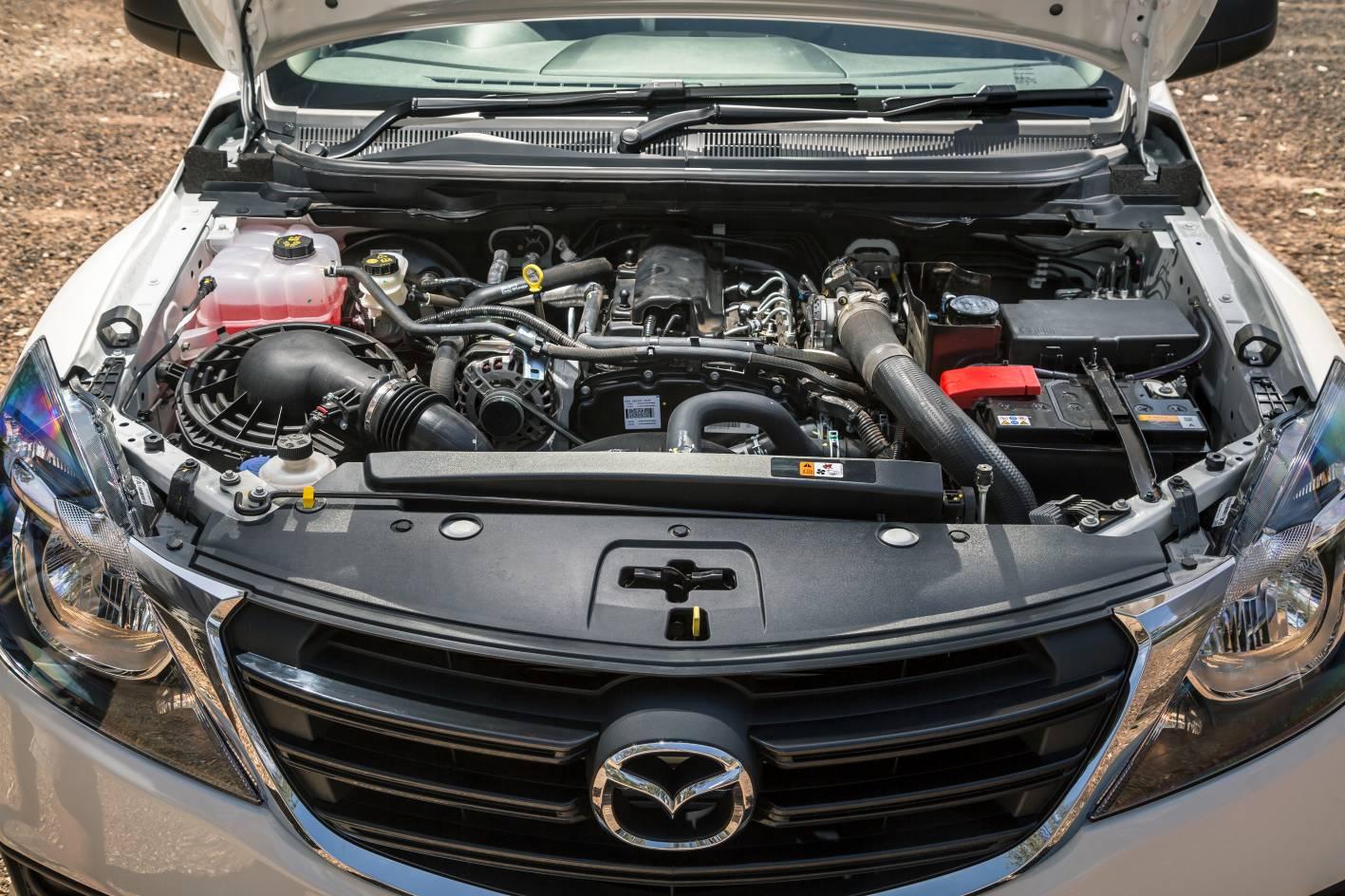 2018 Mazda BT-50 16.jpg