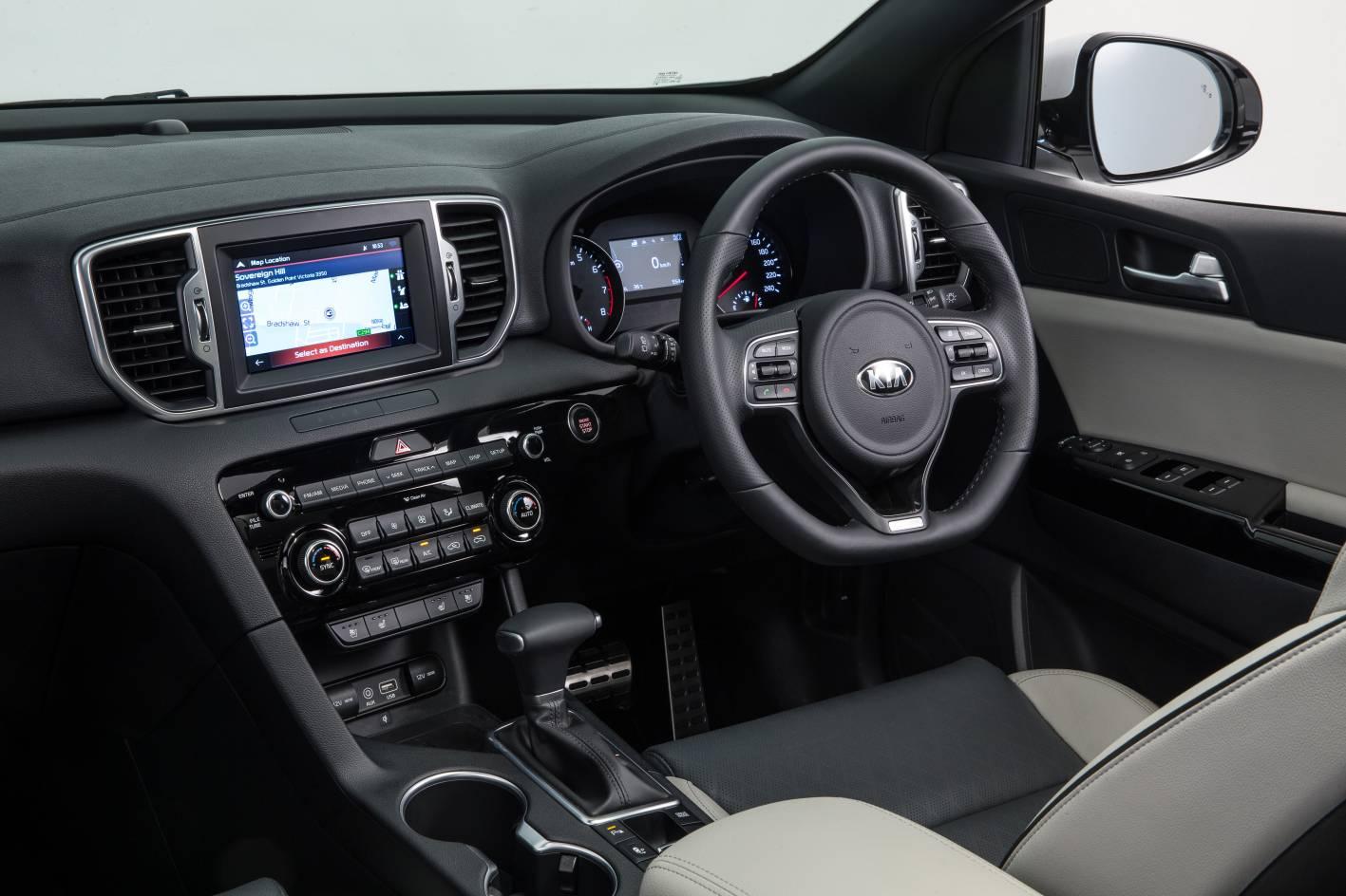 Kia Sportage Platinum AUS.jpg
