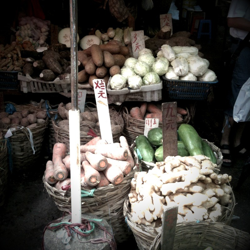 Hong Kong - Open Air Market - Mobile Pics