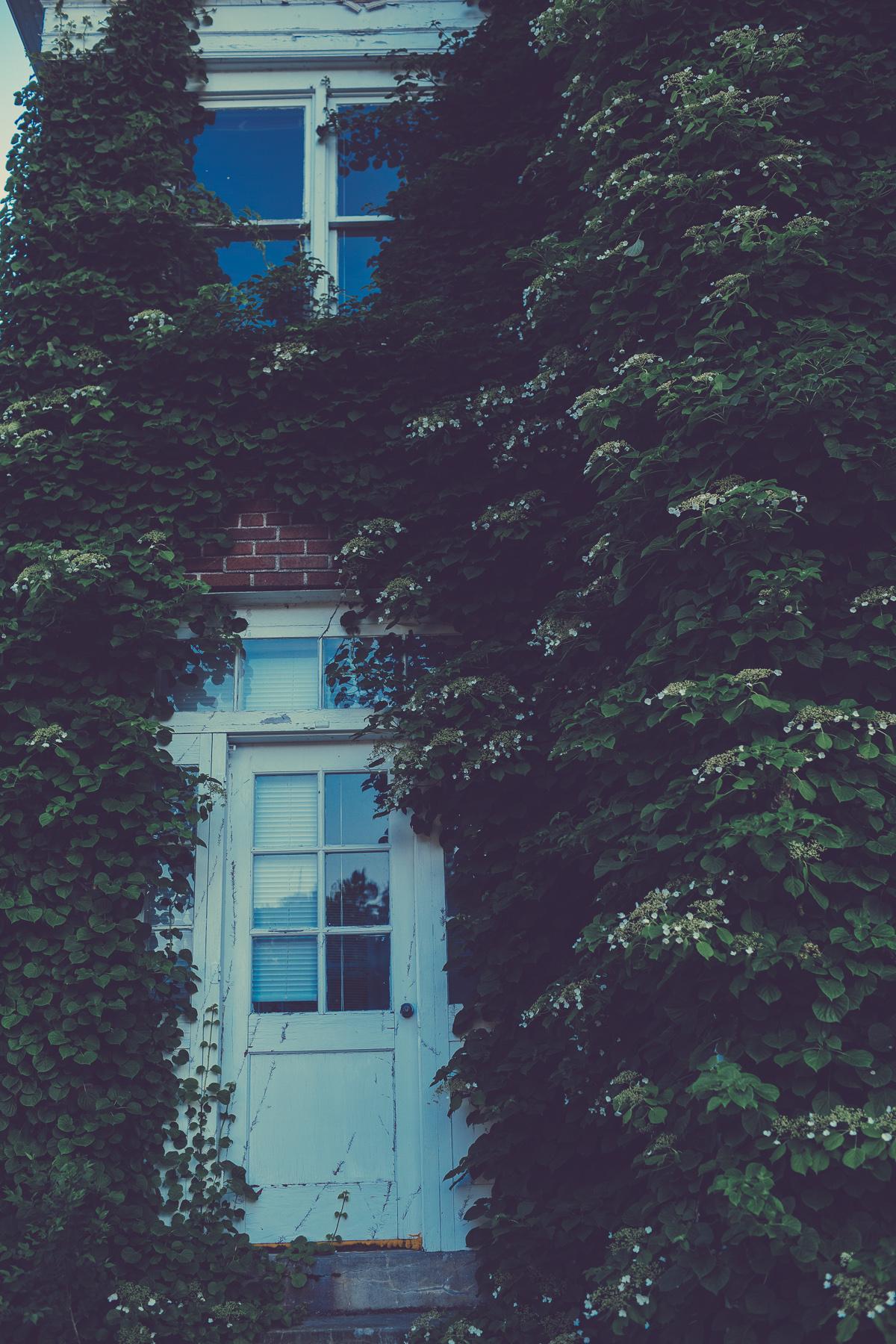 Lydia_Nihart_At_The_Outing_Lodge_Stillwater_Minnesota_By_Photographer_Joe_Lemke_027.JPG