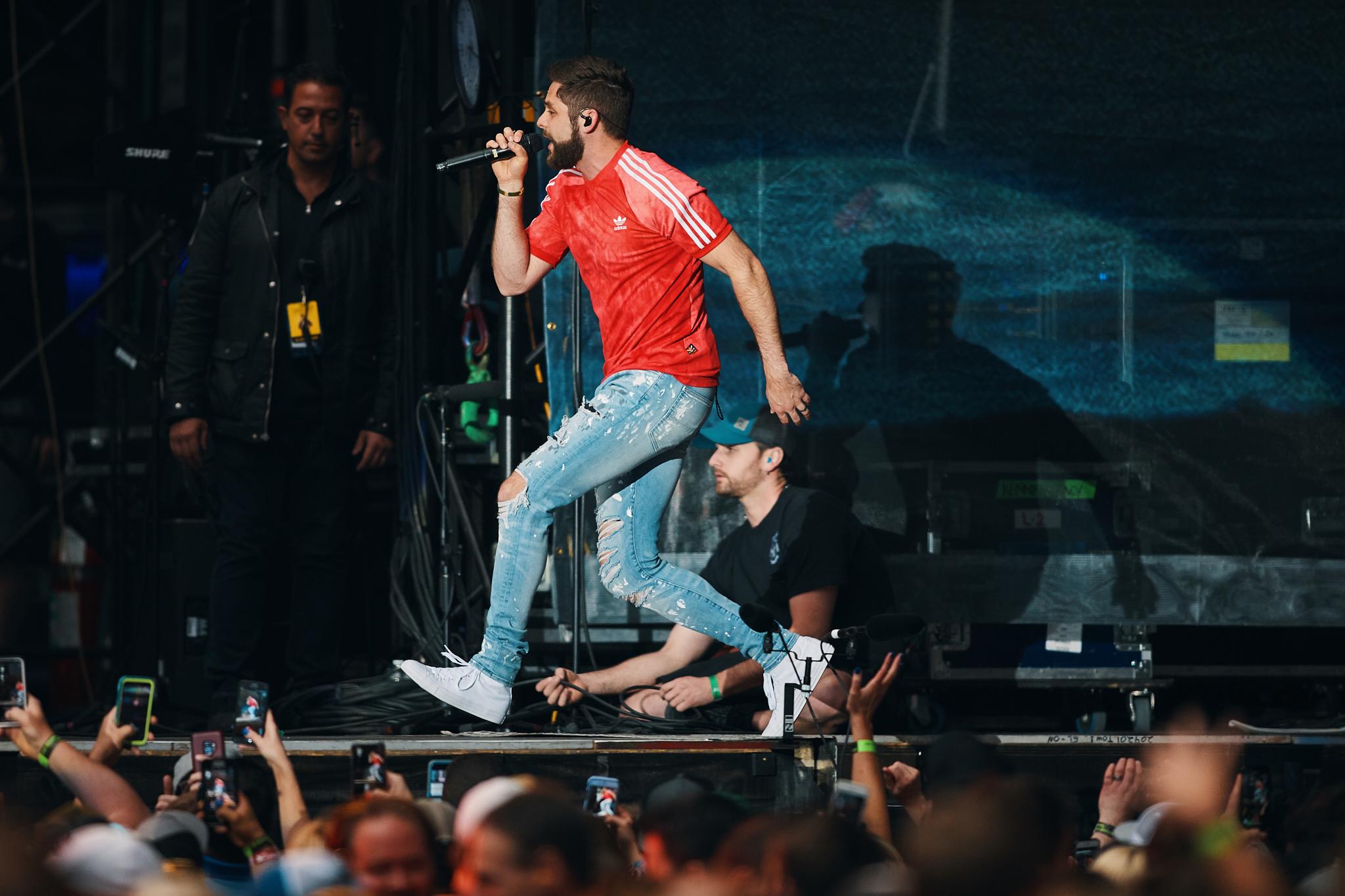 Thomas_Rhett_At_US_Bank_Stadium_On_05-05-2018_Photo_By_Joe_Lemke_001.jpg