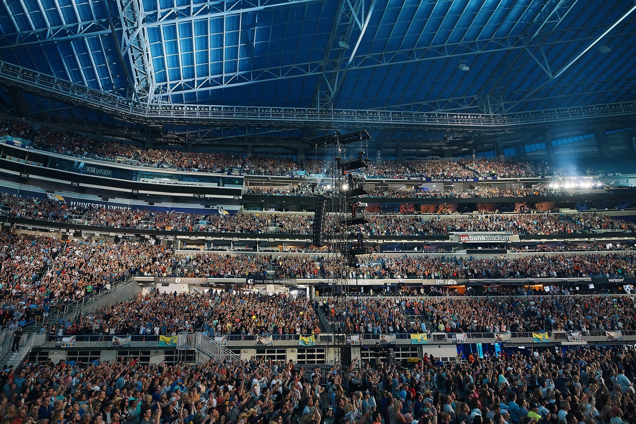 Kenny_Chesney_At_US_Bank_Stadium_On_05-05-2018_Photo_By_Joe_Lemke_004.jpg