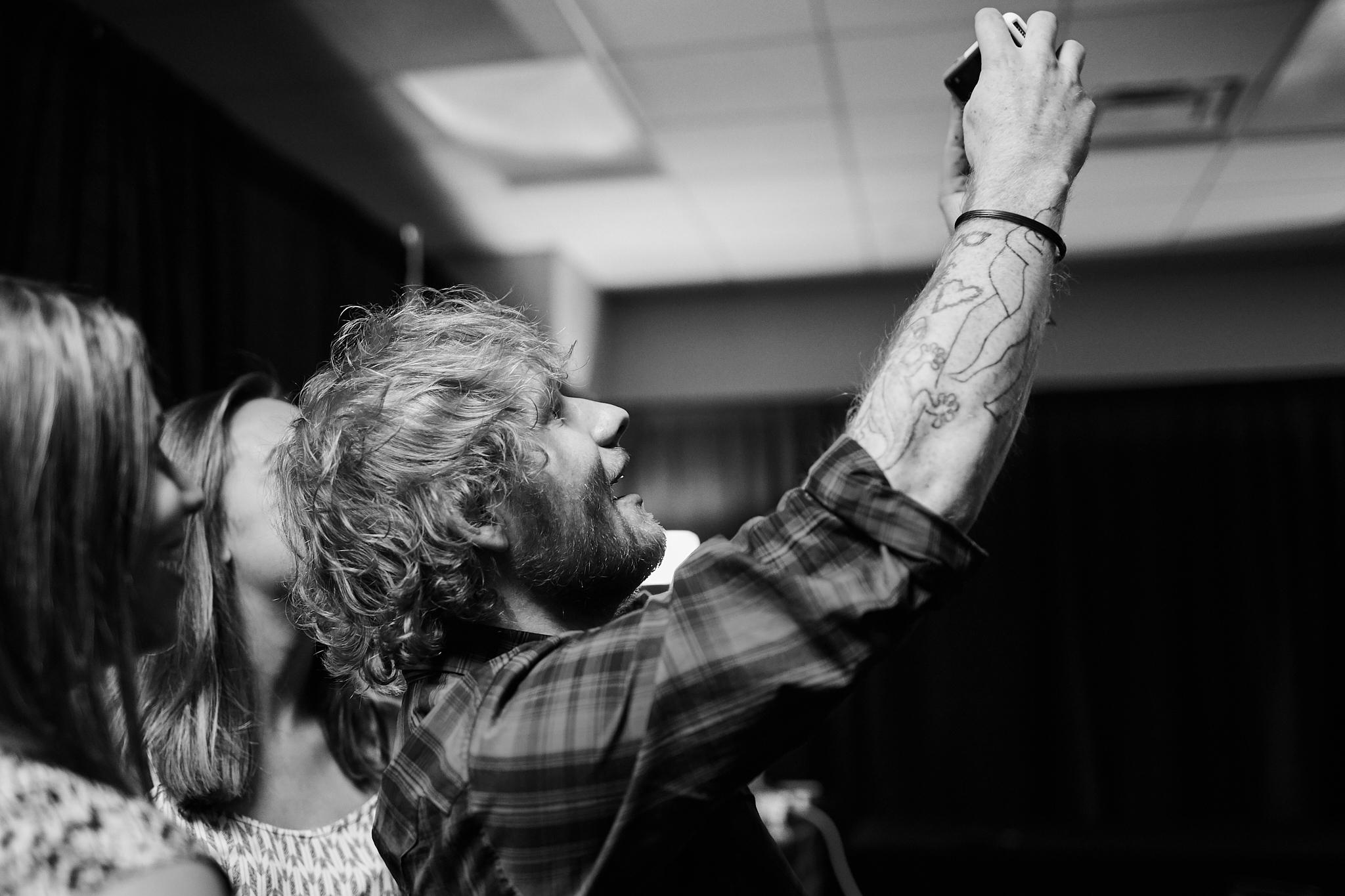 Ed_Sheeran_Gift_Presentation_09-15-2015_Photo_By_Joe_Lemke_008.jpg