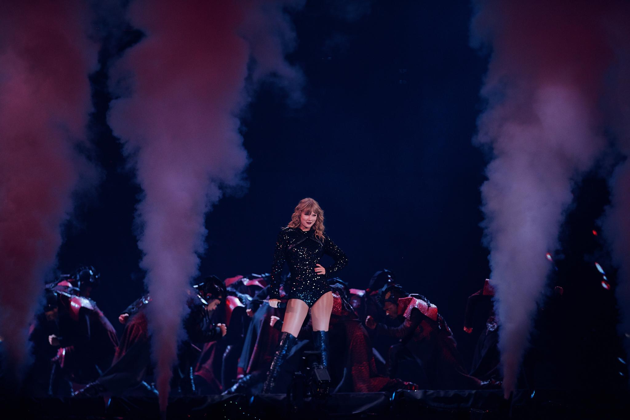 Taylor_Swift_at_US_Bank_Stadium_08-31-2018_Photo_By_Joe_Lemke_020.jpg