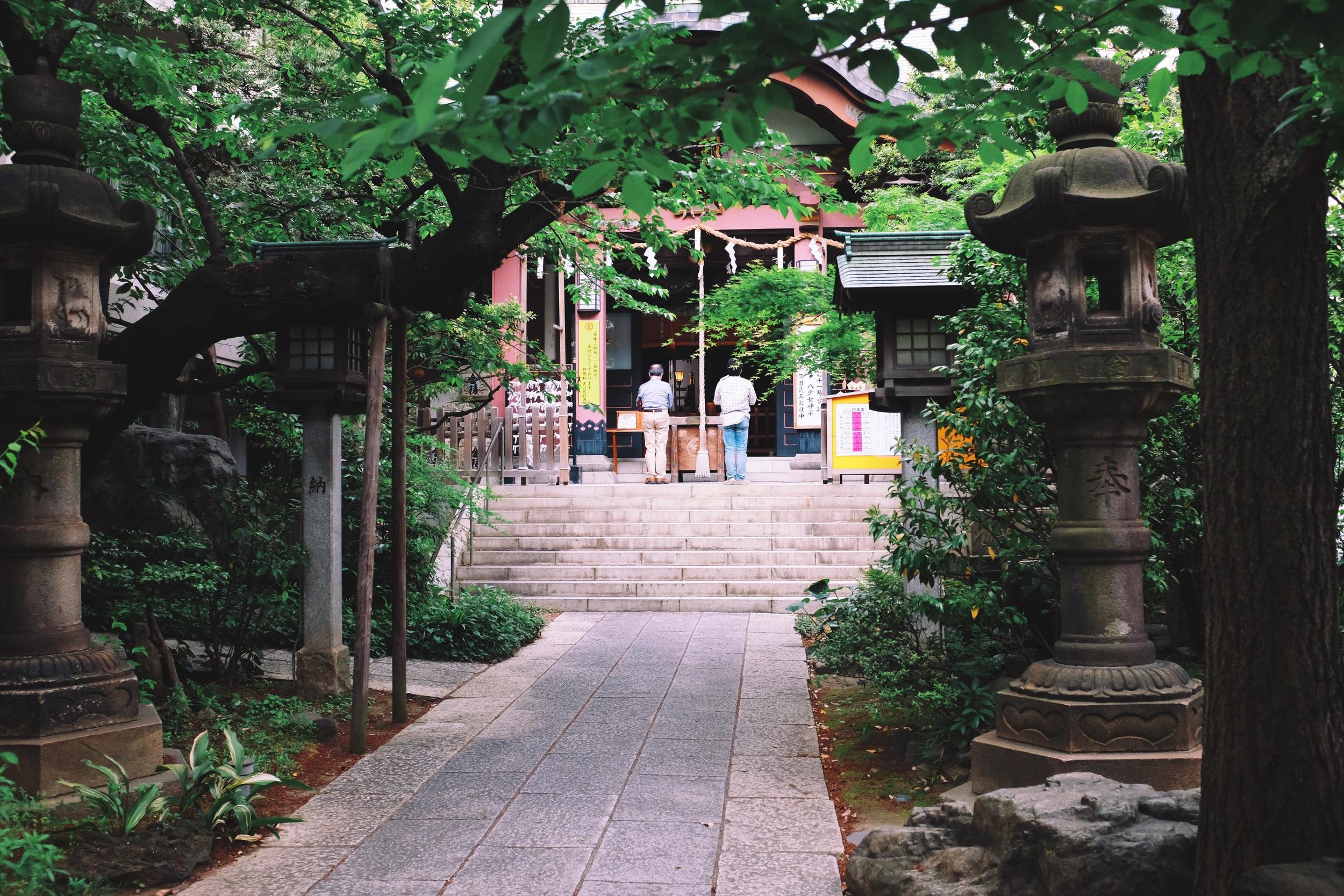 Shrine near  Tokyo Dome - Fujifilm x100t, ISO1250, f/3.2 1/60 sec. Processed in VSCO.