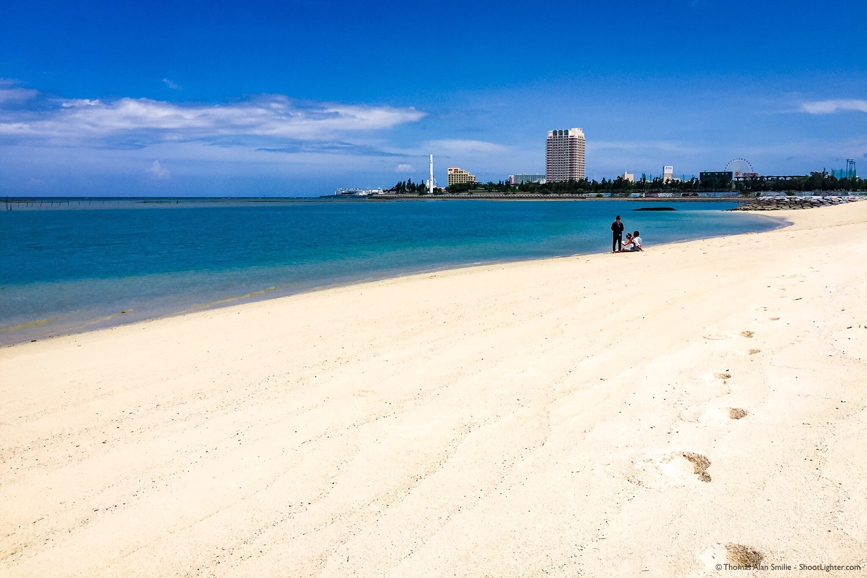 Araha, Beach in Chatan, Okinawa, Japan. iPhone 6s Plus 1/4400 sec, f/2.2, ISO 32.