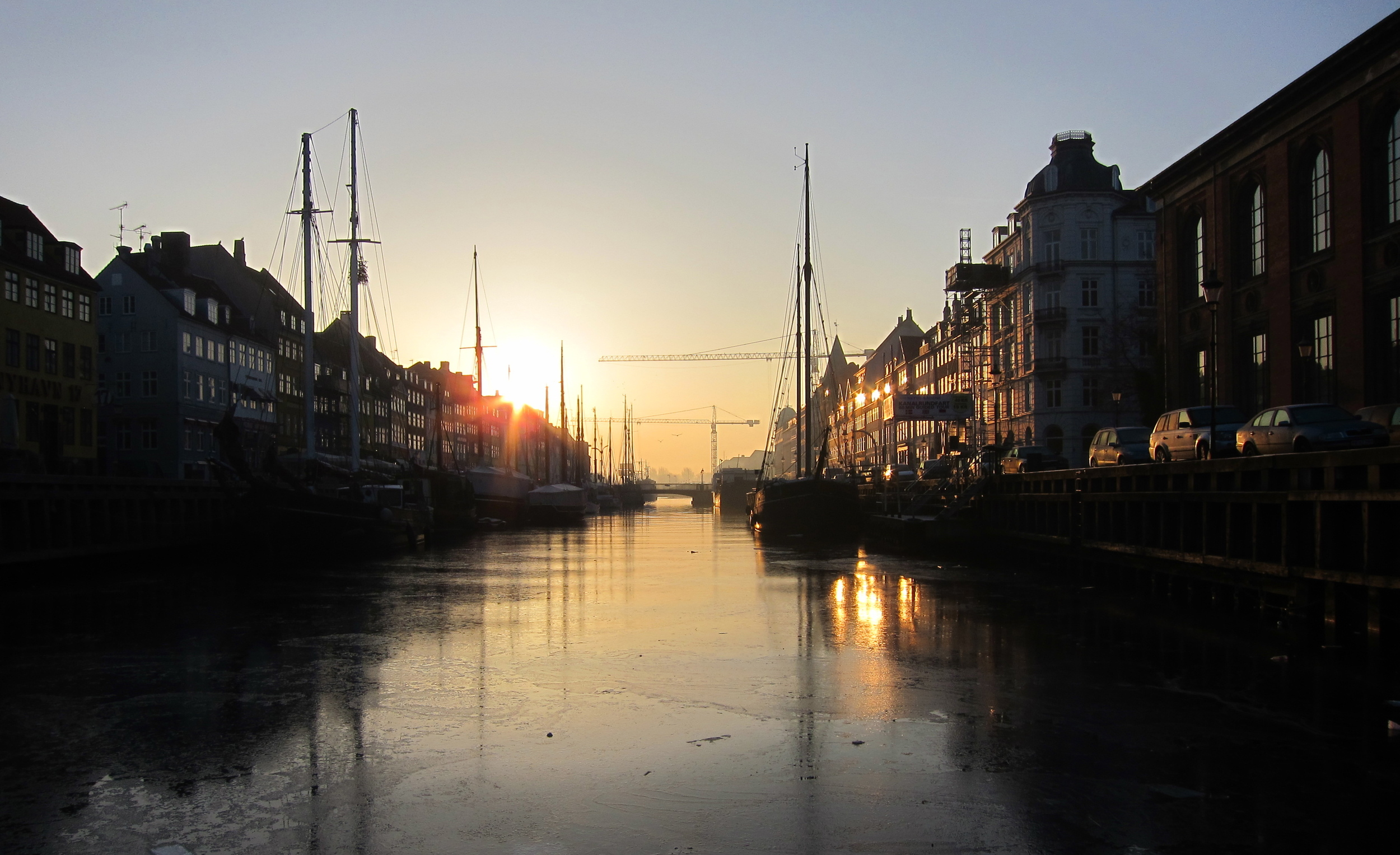 Nyhavn this morning