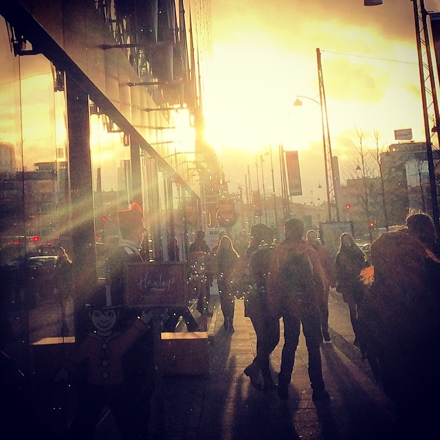 Late afternoon #sun and the poor unemployed actors in the cold outside Hamley's in #copenhagen