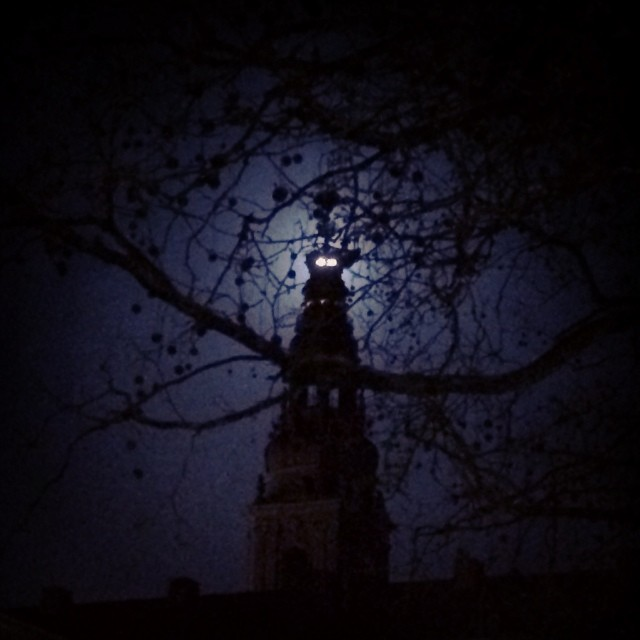 #moon behind the #crown on the danish parliament at #christiansborg #copenhagen - a little #spooky looking