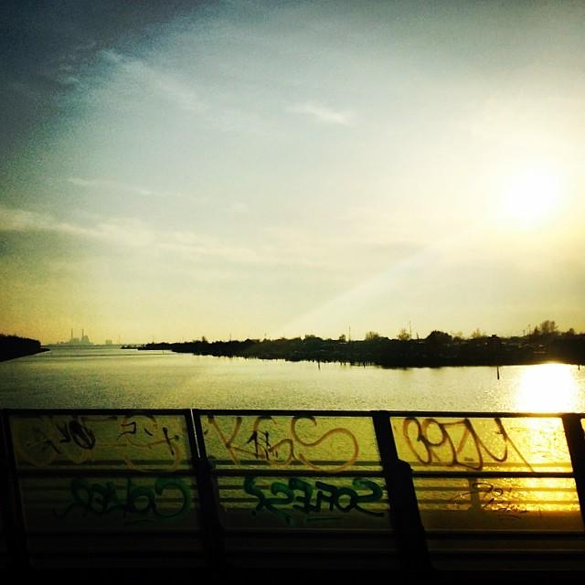 Back in #Denmark - #goldenlight #graffiti #picsfromthetrain #copenhagen