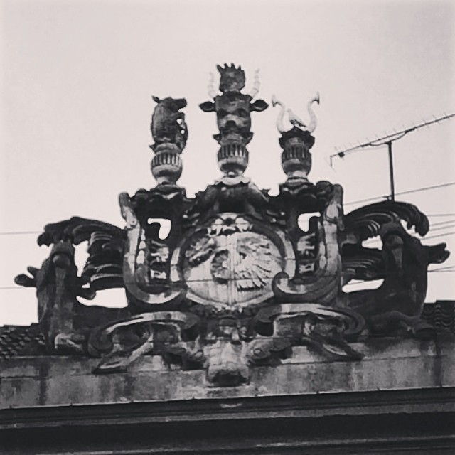 Fantastic #ornament on top of this building opposite the #nationalmuseumdk #copenhagen #architecture #grotesque