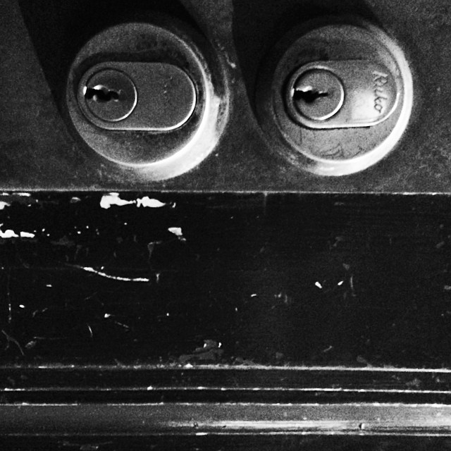 #iseefaces #pareidolia #iseeshiftyfaces #shifty