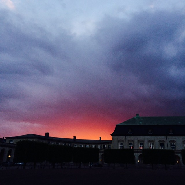 Incredible #sky and #sunset over #christiansborg #copenhagen #nofilter !