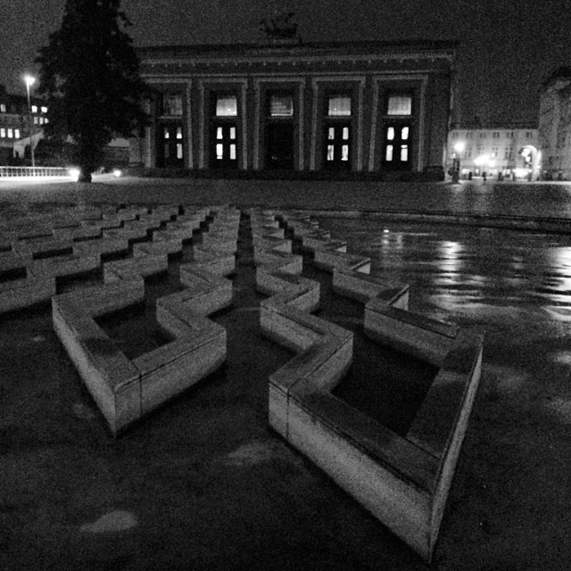 #thorvaldsenmuseum #copenhagen #blackandwhite #vscocam #night