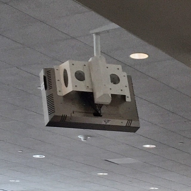 #iseefaces #pareidolia at the airport
