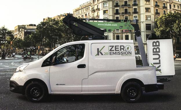 Sur le stand de Mondia, le Group Gelev exhibait sa nacelle élévatrice K20 ZERO émission 100% électrique montée sur un porteur Nissan. Gelev conçoit et construit des nacelles élévatrices avec la gamme des produits KLUBB fabriqués en France.   Caractéristiques principales :   Hauteur de travail : 10m. Déport de travail : 5m. Rotation : 360°. Panier une personne sans stabilisateurs en std : 120kg.     TURBOLOADER