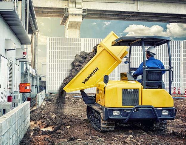 Le C30R-3 est un engin très compact pour sa catégorie. Du fait de sa largeur totale de 1,5 mètre, il est très efficace même sur les chantiers très étroits. Sa longueur totale de 3,28 mètres (standard) et 3,64 mètres (benne pivotante) permet de manœuvrer facilement en toutes circonstances, notamment avec la possibilité de braquage à 360° de l'engin. Cette configuration permet une augmentation de la rentabilité de l'engin et de la productivité pour l'opérateur. Il est proposé en deux versions. Soit avec la benne dotée de trois ridelles et déversement arrière, soit avec une benne rotative pouvant pivoter à 180° ( 90) à gauche, 90° à . Le C30R-3 est un engin très compact pour sa catégorie. Cet engin est entrainé par un moteur Yanmar à rampe commune d'une puissance de 34,3kW/47ch. Notons encore sa transmission hydrostatique à vitesse variable avec deux pompes et deux moteurs intégrant une fonction anti-calage. Le C30R-3 offre d'excellentes performances sur tout type de chantier. Que ce soit dans des endroits très exigus ou sur des terrains accidentés, sa vitesse de translation élevée et la capacité exceptionnelle     de sa benne (0,88 m3 avec la benne standard et 1,13 m3 avec la benne pivotante) permettent de transporter rapidement et facilement de grandes quantités de matériaux.   Caractéristiques principales   : C30R-3 / C30R-3TV. Poids opérationnel kg : 2650/ 2865. Charge utile kg : 2500 / 2500. Poids transport kg : 2575 /2790. Angle de basculement °: 58 /85. Vitesse translation km/h : 11. Capacité de la benne arasé/ en dôme : 088/1,24 m3 / 1,13/1,50 m3.     Nouvelle pelle de manutention industrielle Sennebogen 817E