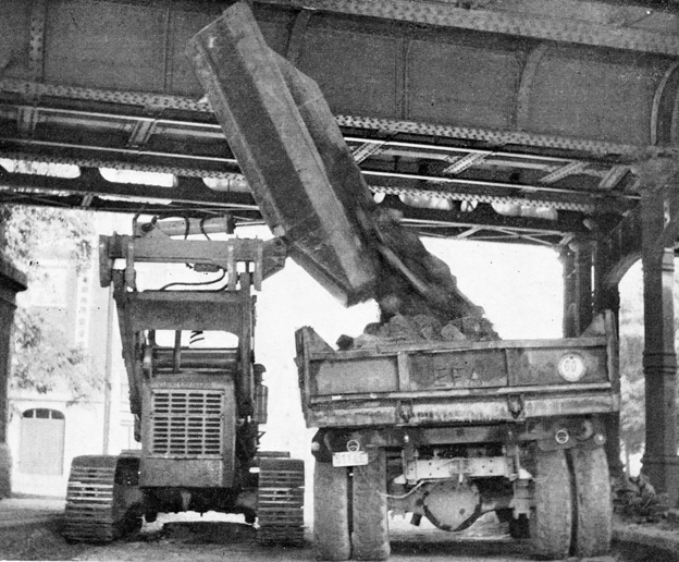 3 traxcavator caterpillar novembre 1962.jpg