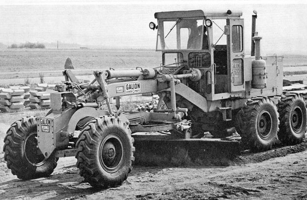 Galion niveleuse Decauville  juin 67  - photo.jpg