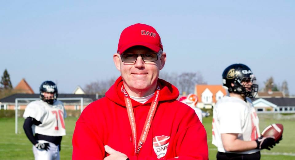 Gold Diggers spillere bag Landsholdets Head Coach, Lars Carlsen.