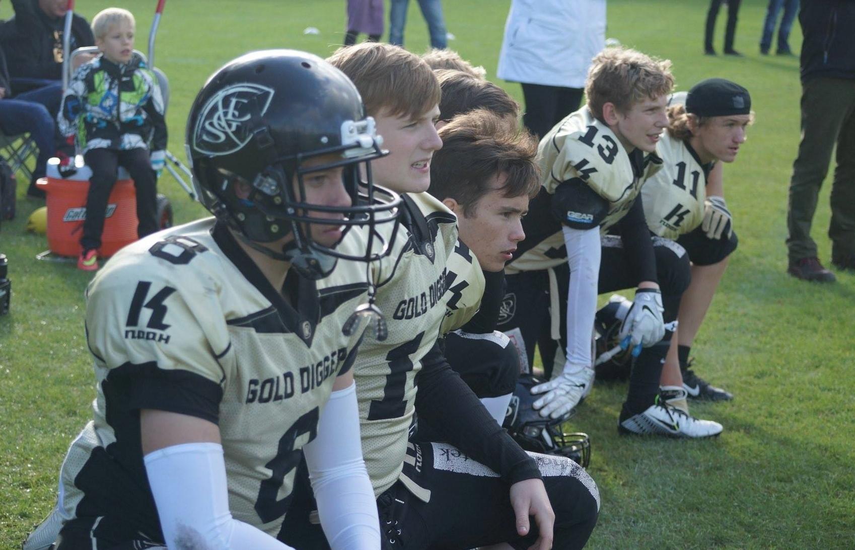 Mange af U16 drengene har spillet football i under et år. - Photo by Kenneth Ulrich
