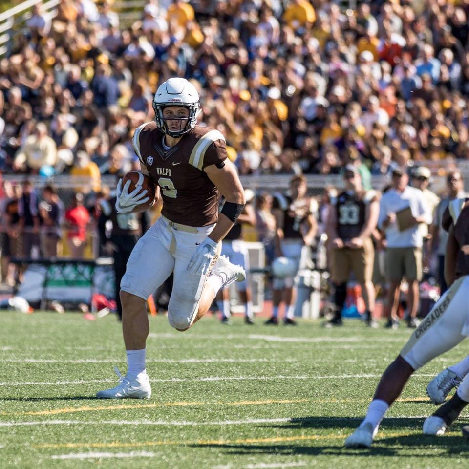 Griffin Norberg i aktion for Valparaiso University D1 FCS.