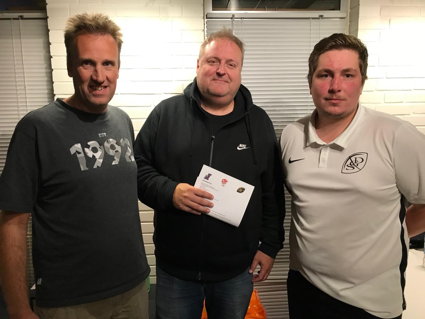 Jakob Munksgaard - Towers formand, Peter Friis - Blue Steel Sports Gear og Casper Reinhardt - SGD formand
