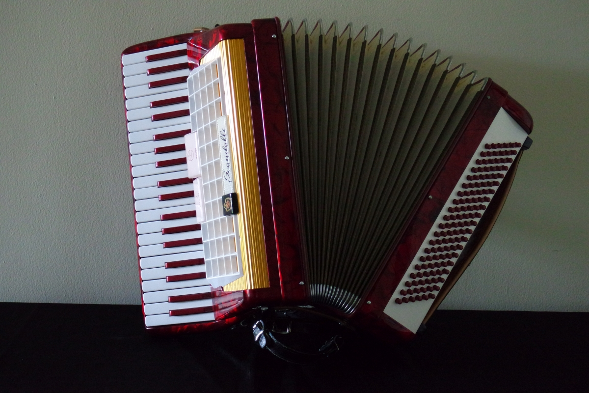 scandalli_accordion3.JPG