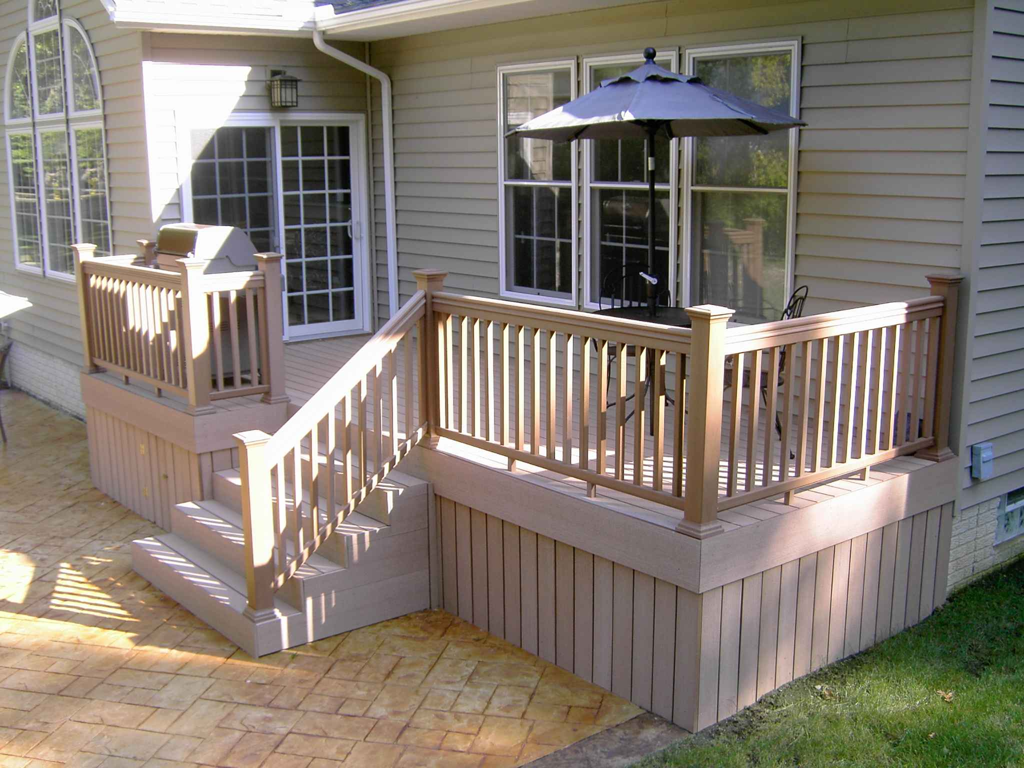 Decks_Wood_&_Features_022.jpg