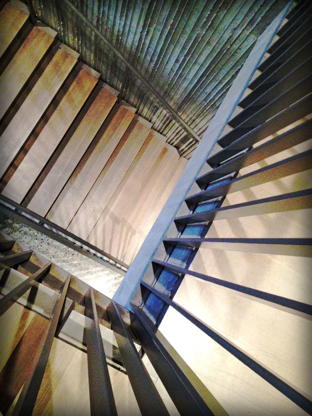 Photo of stairway in the Clifford Still Museum in Denver ( E Ronshaugen )