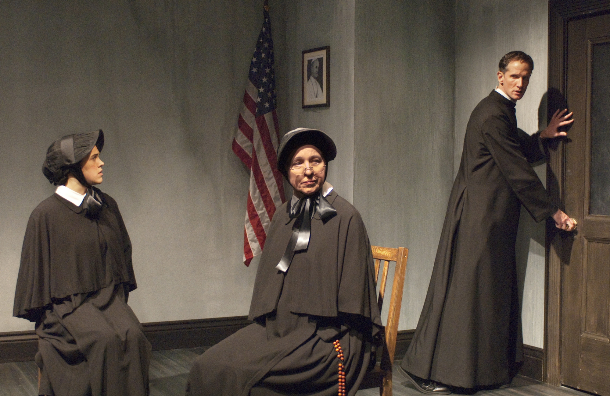 Roselyn Harris (Sister James), Scarlett Hepworth (Sister Aloysius), Andrew Nance (Father Flynn).  
