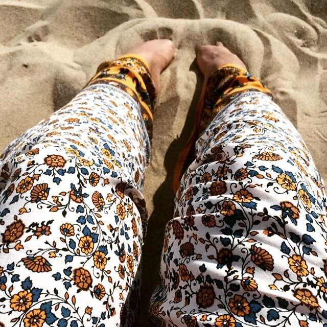Toes in the sand with my palazzo pants (Forever 21)