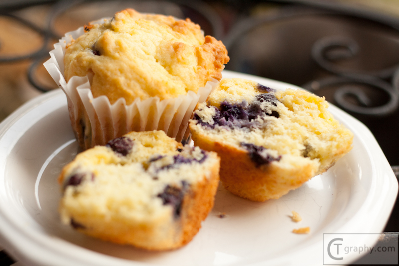Food_Blueberry Muffins June 2012 CTgraphy (12 of 18).jpg