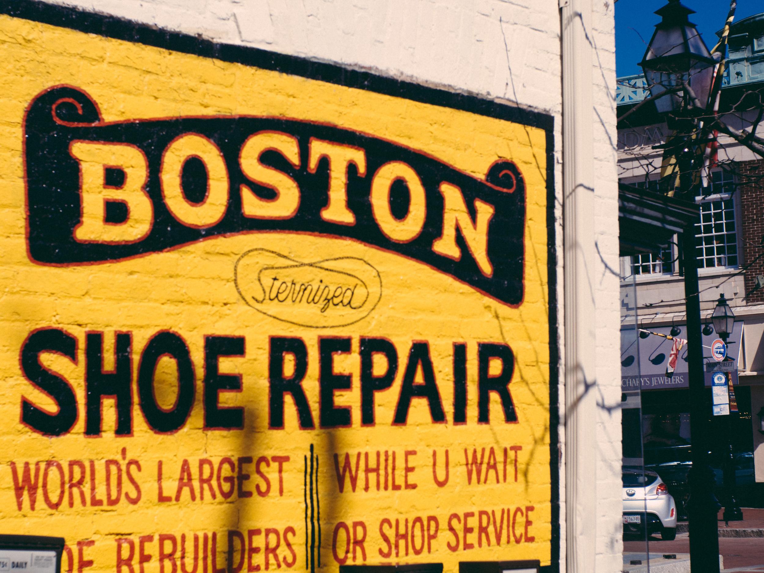 Boston Shoe Repair - Olympus OM-D, Voigtlander Nokton 35mm - ISO 200, f/4.0, 1/1000sec
