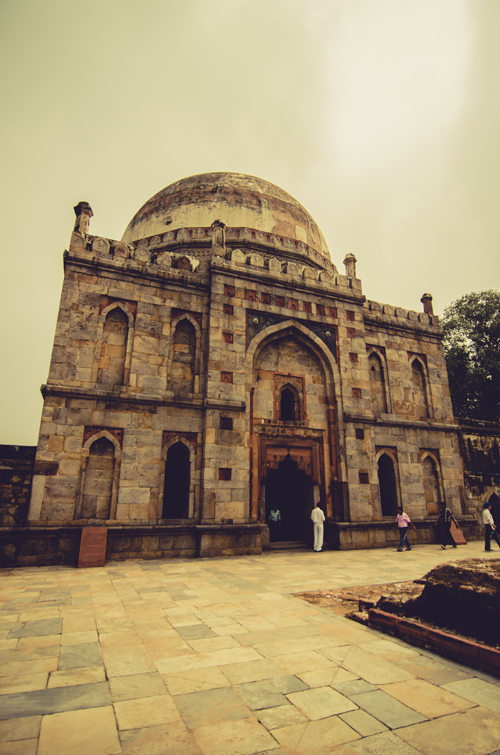 Bara Gumbad tomb and mosque