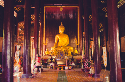 Wat Phan Tao was a gorgeous teak temple in the Old City