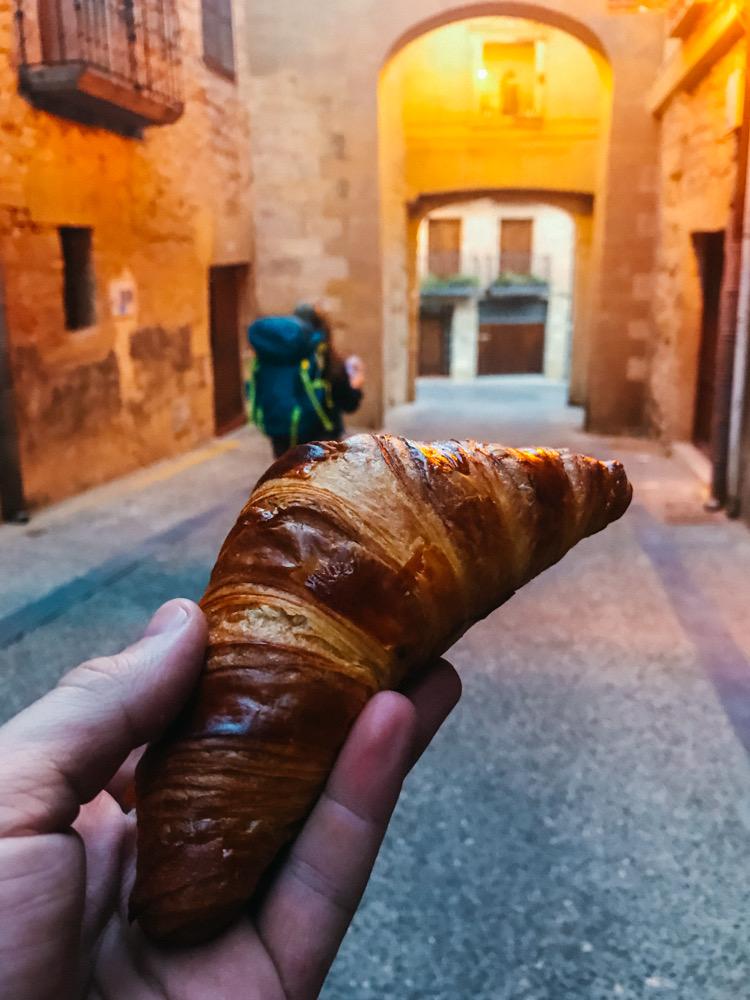 Breakfast on the road as we leave Viana