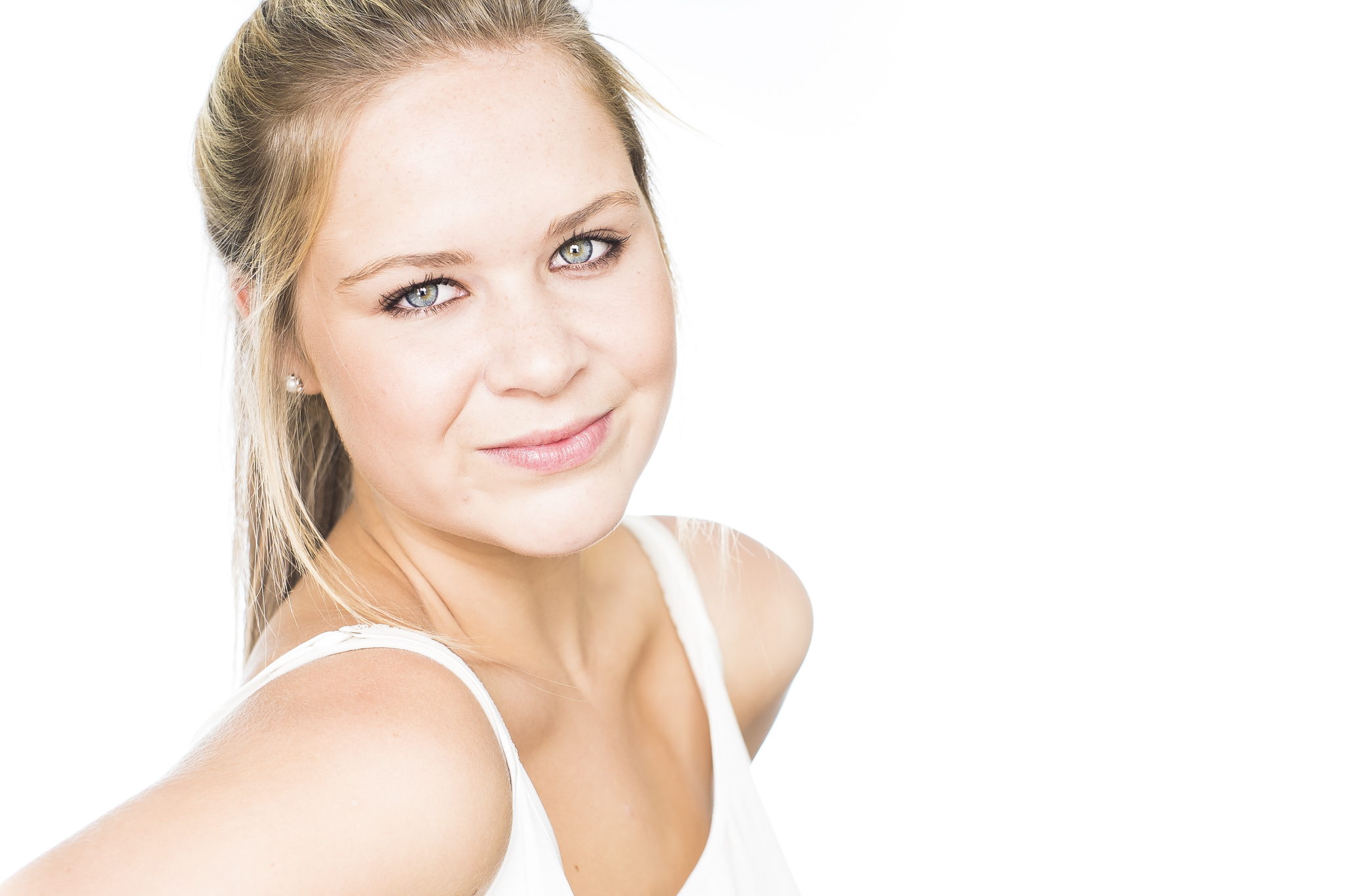 A Headshot for Sophie by professional headshot and portrait photographer Andre goosen for Boem Headshots in Adelaide.