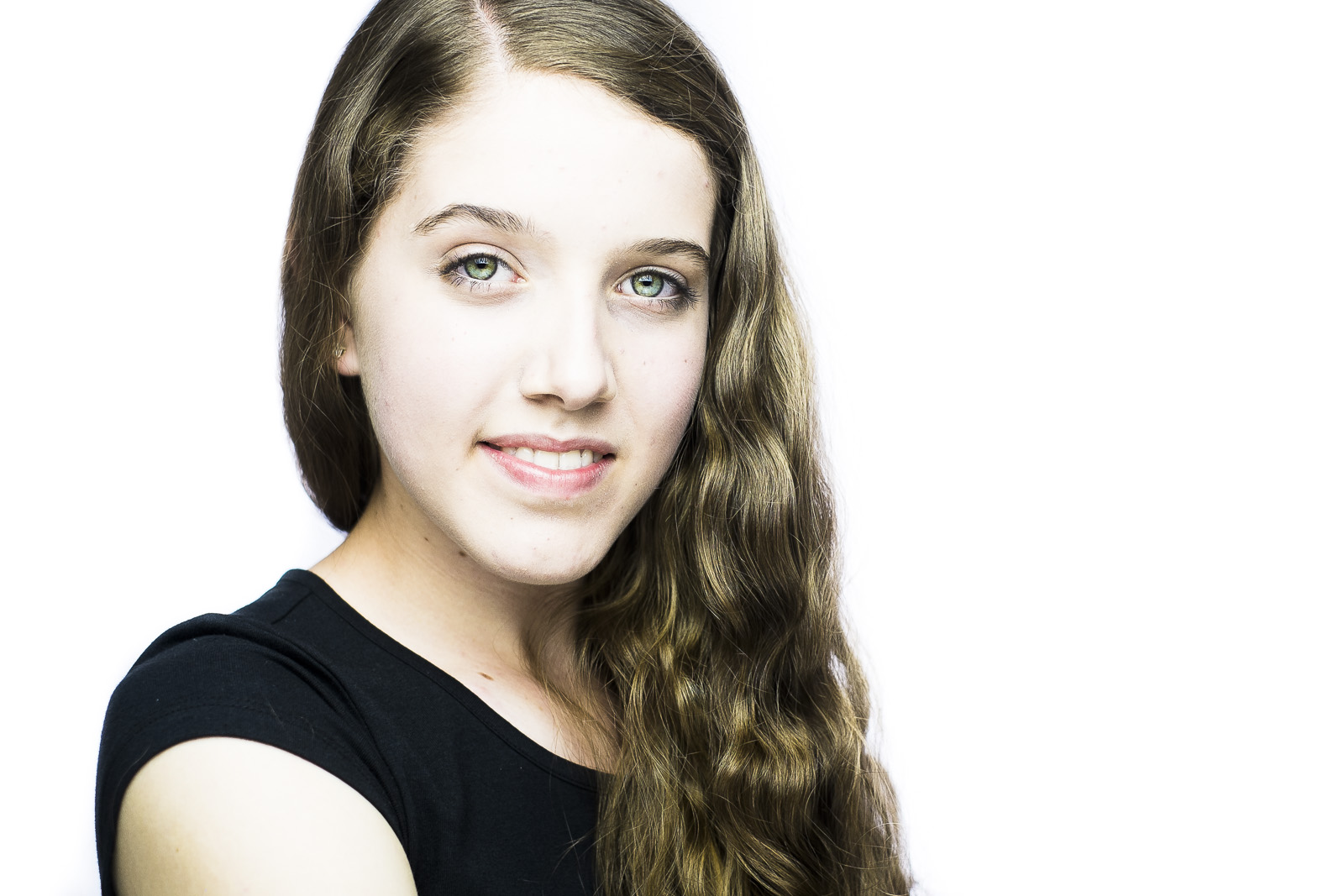 A professional headshot session for Hannah, a young dancer/actress looking for new portraits to use in her career by Andre Goosen for Boom Headshots in Adelaide.