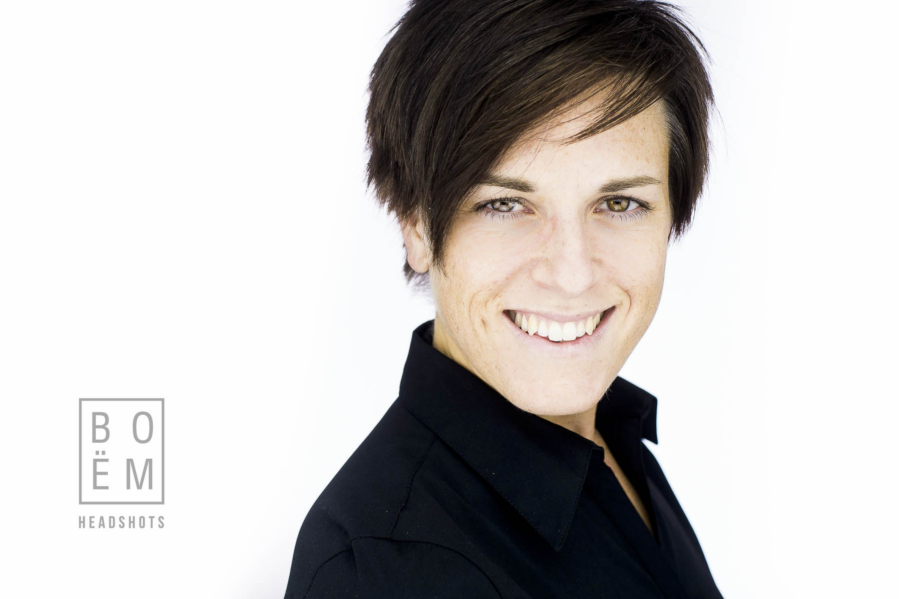 A professional headshot session for Mary, a personal trainer and close friend by Andre Goosen for Boem Headshots, the premier headshot photographer in Adelaide