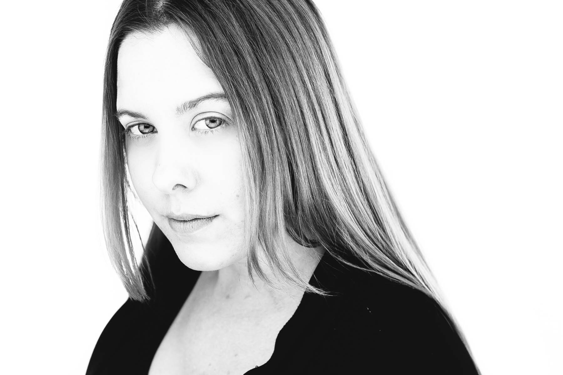 Rachel-a-headshot-session-adelaide-2.jpg