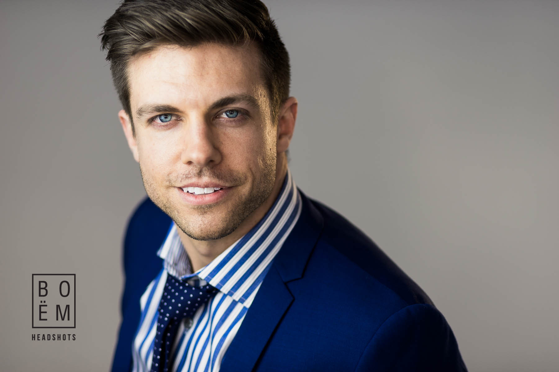 A professional headshot session for Adam, a young graduate looking for work and building his LinkedIn Profile by Andre Goosen for Boem Headshots, The premier headshot photographer.