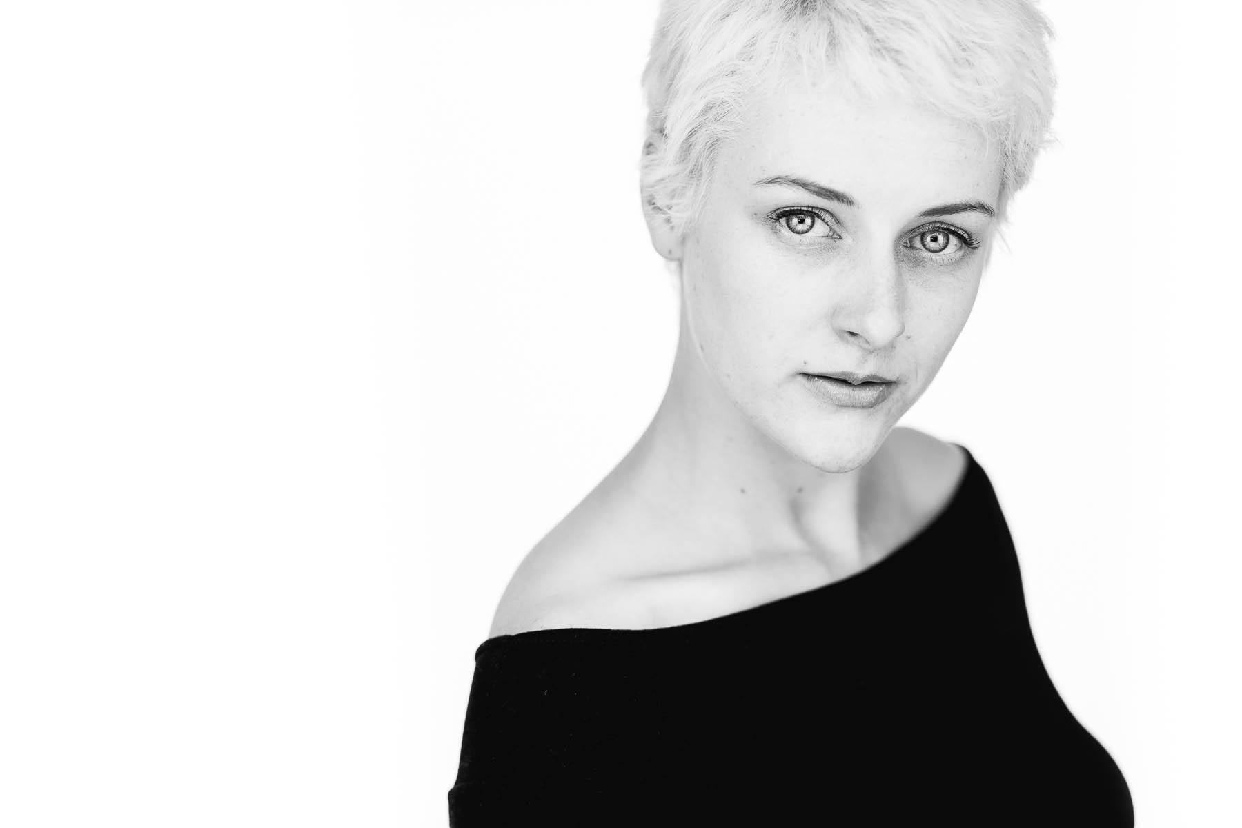 sarah-actor-professional-headshot-session-22.jpg