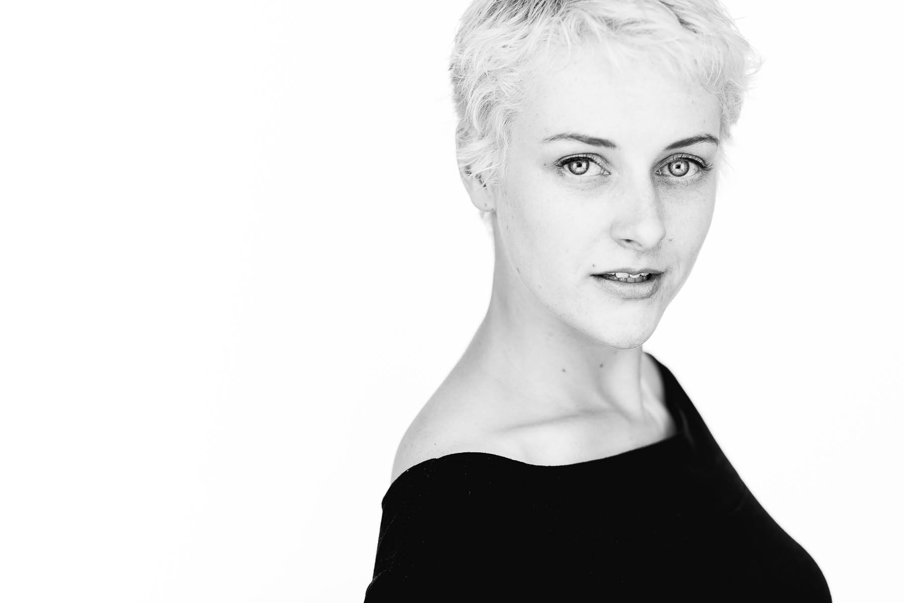 sarah-actor-professional-headshot-session-32.jpg