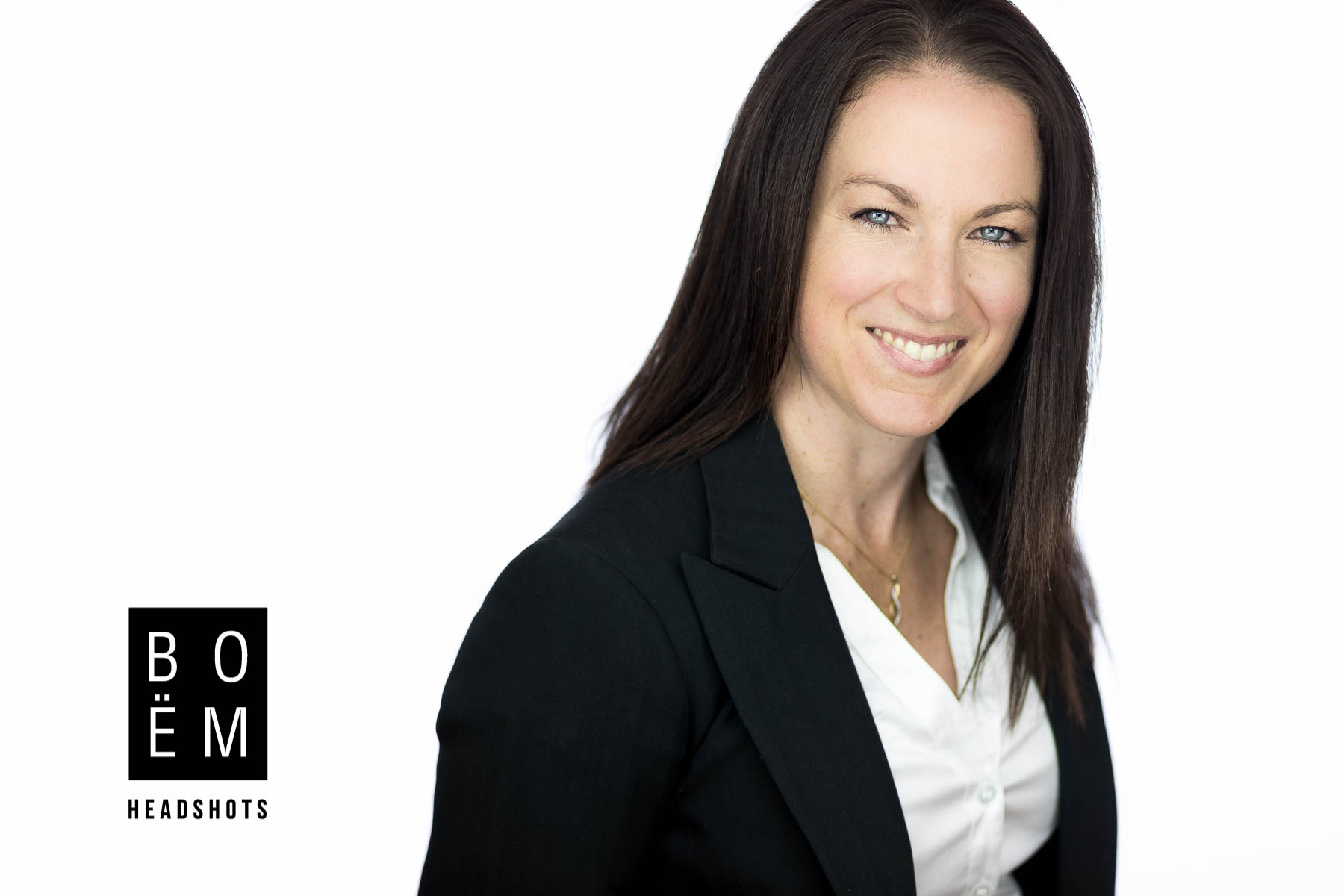 Crissy came to see us for her new corporate headshots. She's and accountant and just because she works with numbers doesn't mean she needs to have a boring headshot. We spent an hour in the studio and got some truly amazing images for her to use.