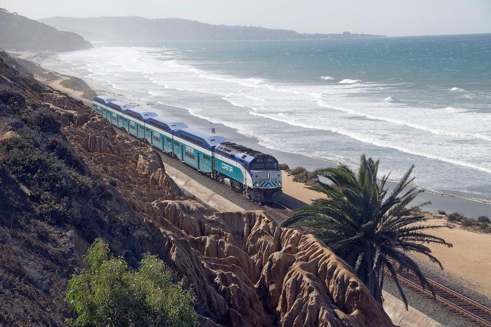 Photo taken from  https://www.travelchannel.com/interests/food-and-drink/photos/best-wine-trains-around-the-world