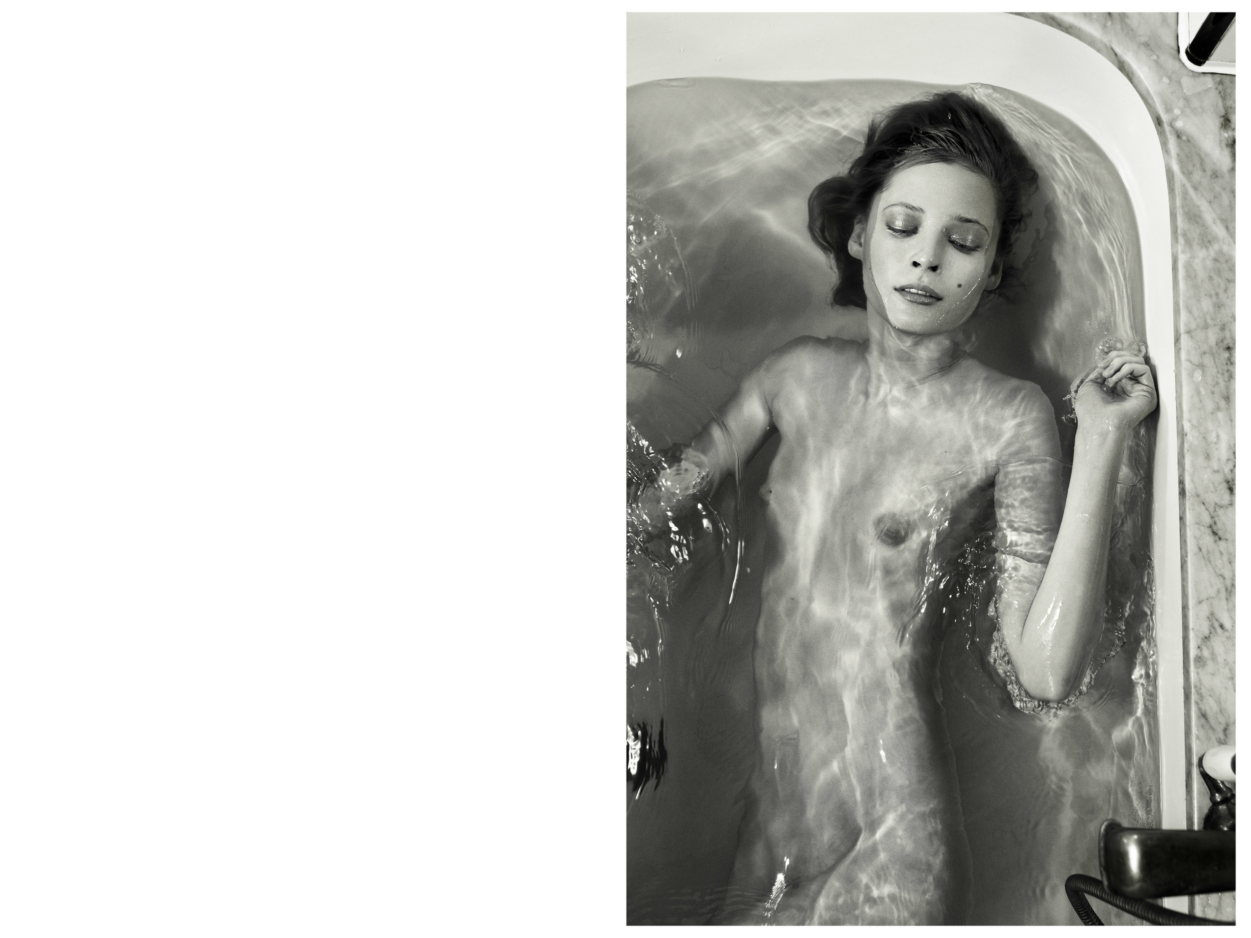 tiiu bathtub right LAYOUT– ©2013*www.daemianandchristine.com*.jpg